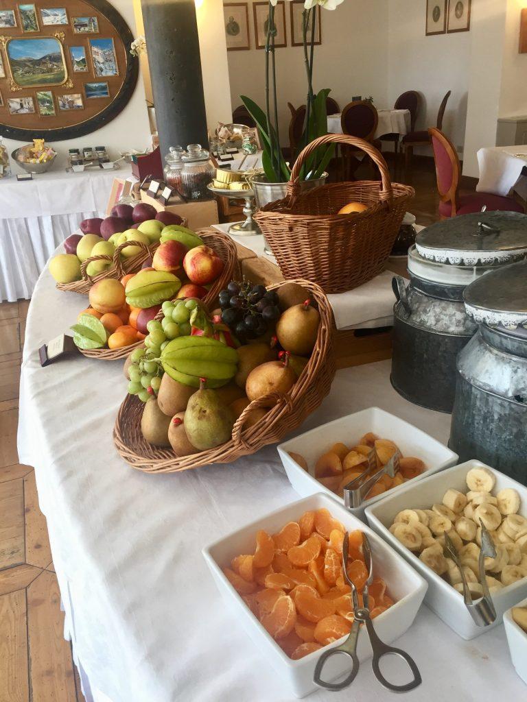 Colazione frutta Hotel QC Terme Bagni Nuovi