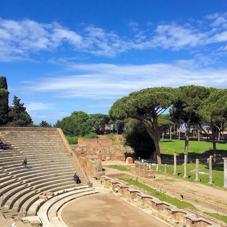 ostia antica teatro